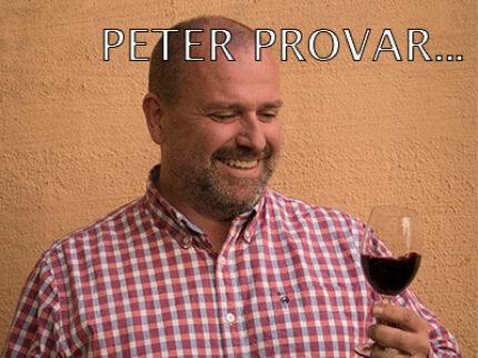 Peter provar ost och vin.